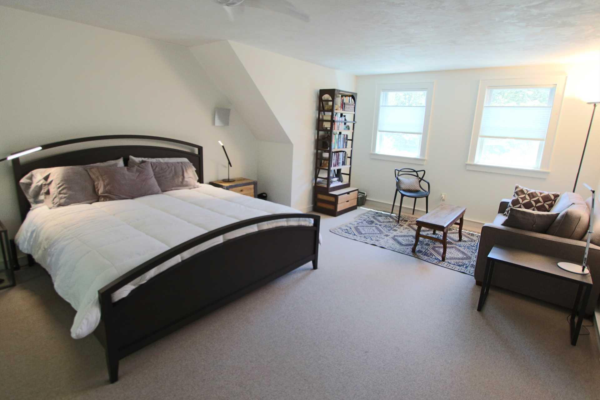 Bedroom #1 - Master- King