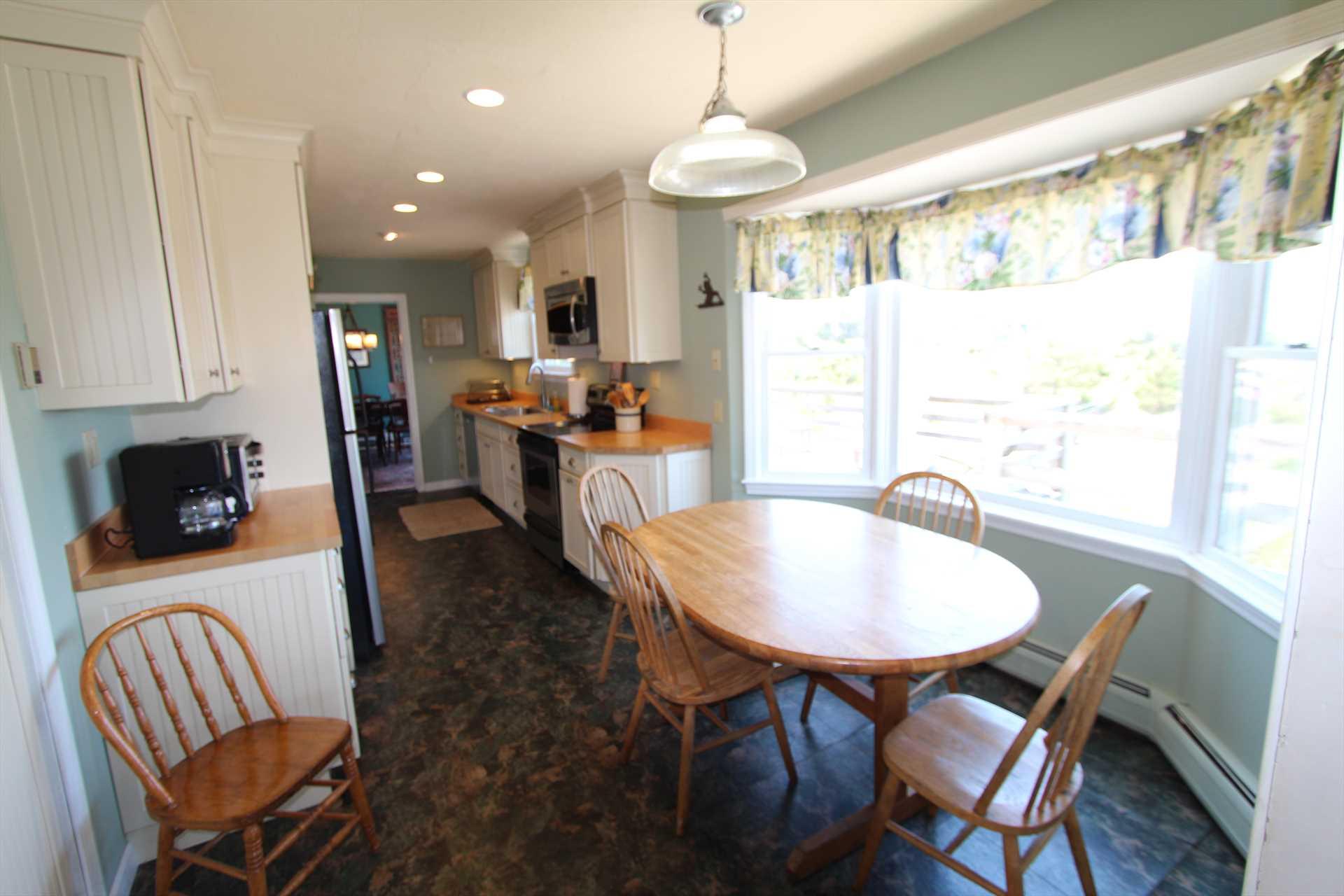 Kitchen- Breakfast nook