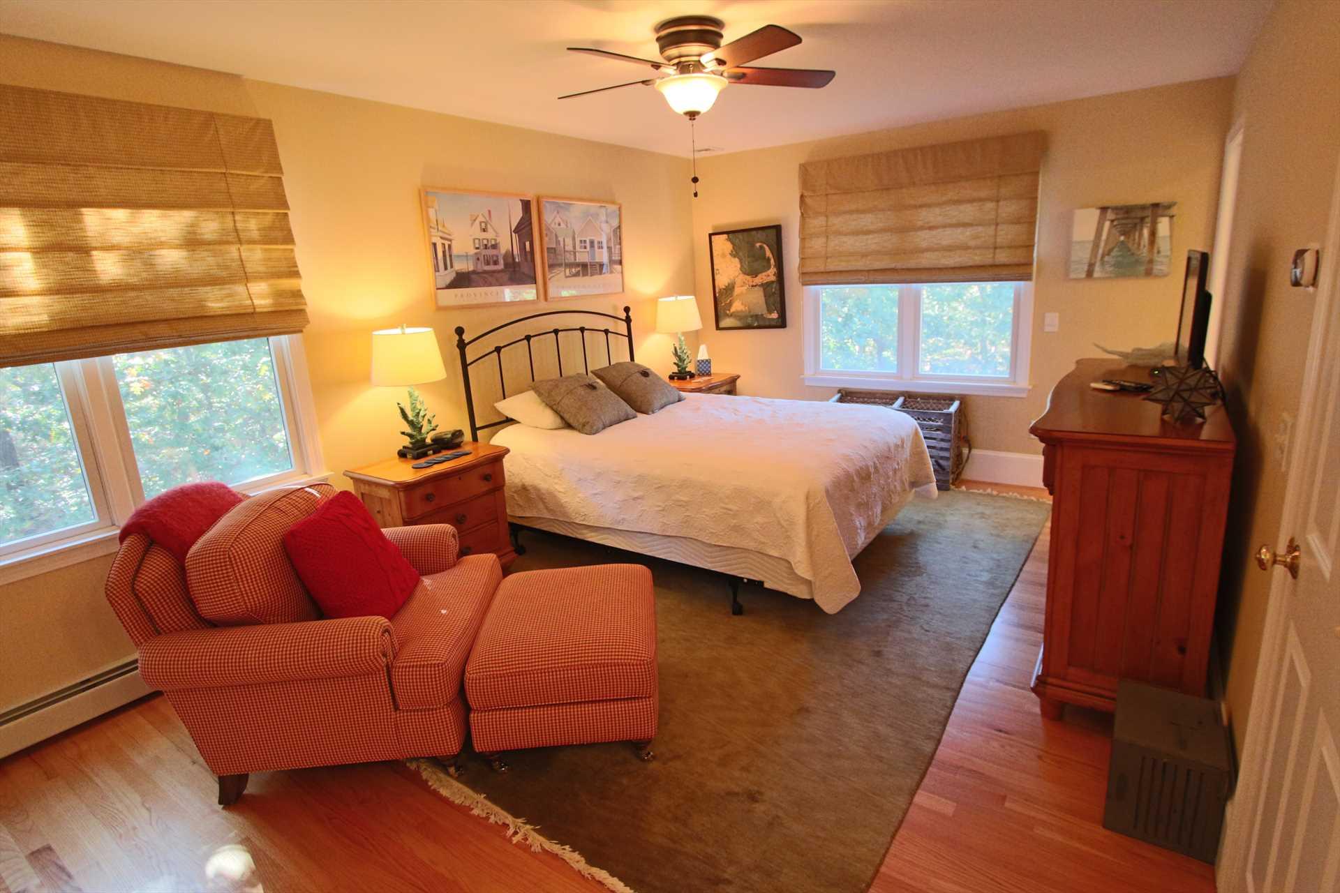 Bedroom #3- 1 Queen- 2nd Floor w/ Full Bath