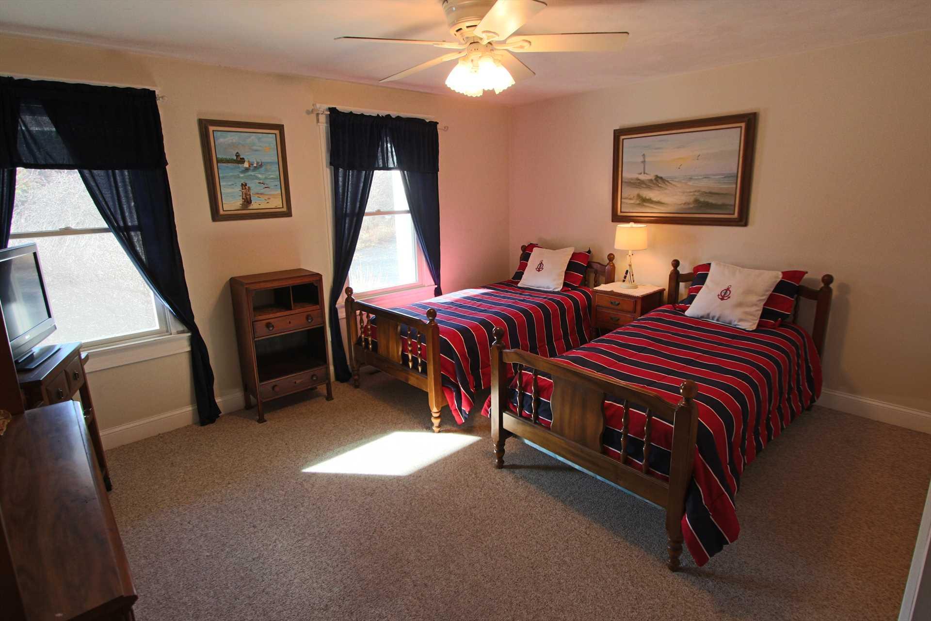 Bedroom #1-   2 Twin- 1st Floor