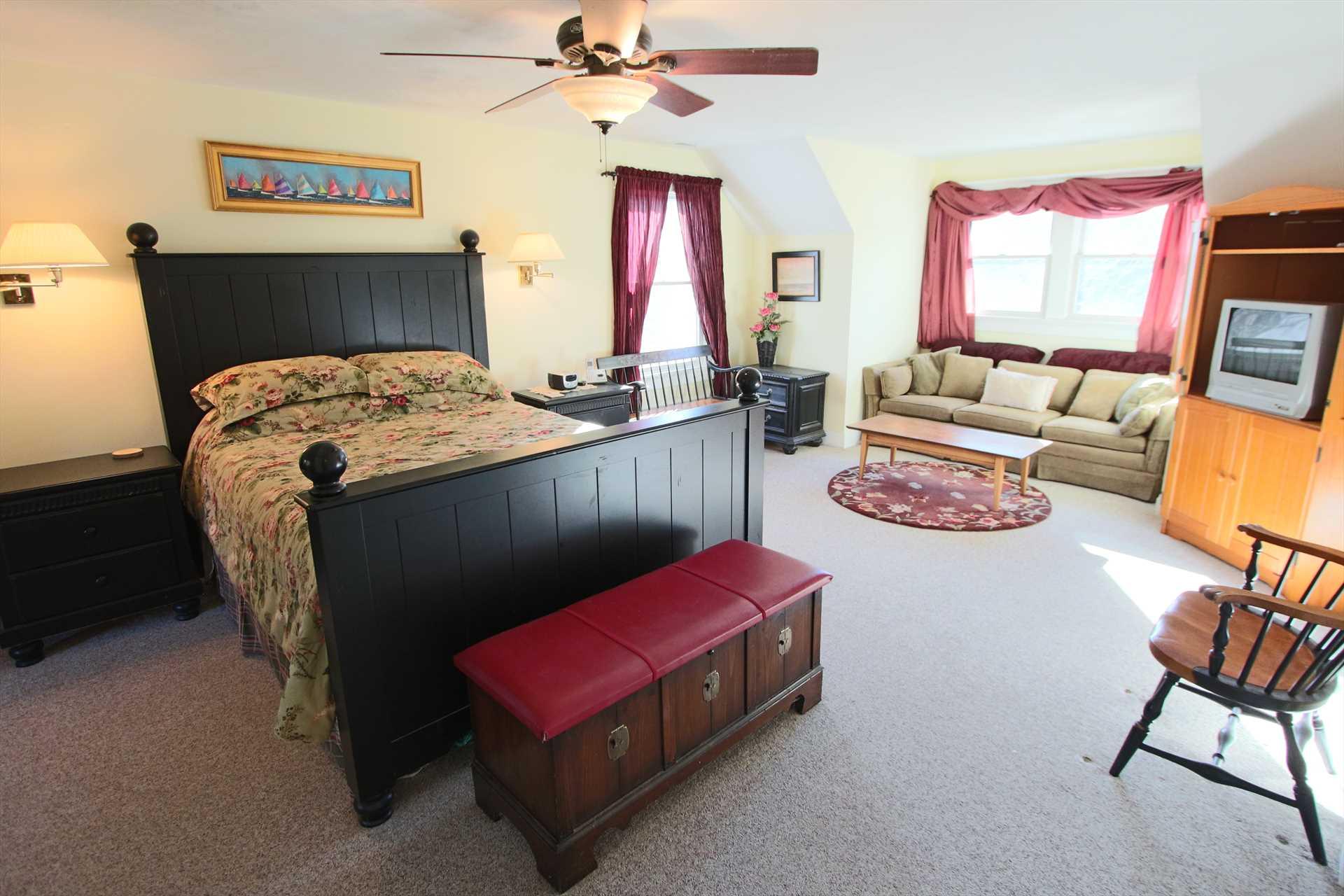 Bedroom #2 (Master)-   1 Queen- 2nd Floor