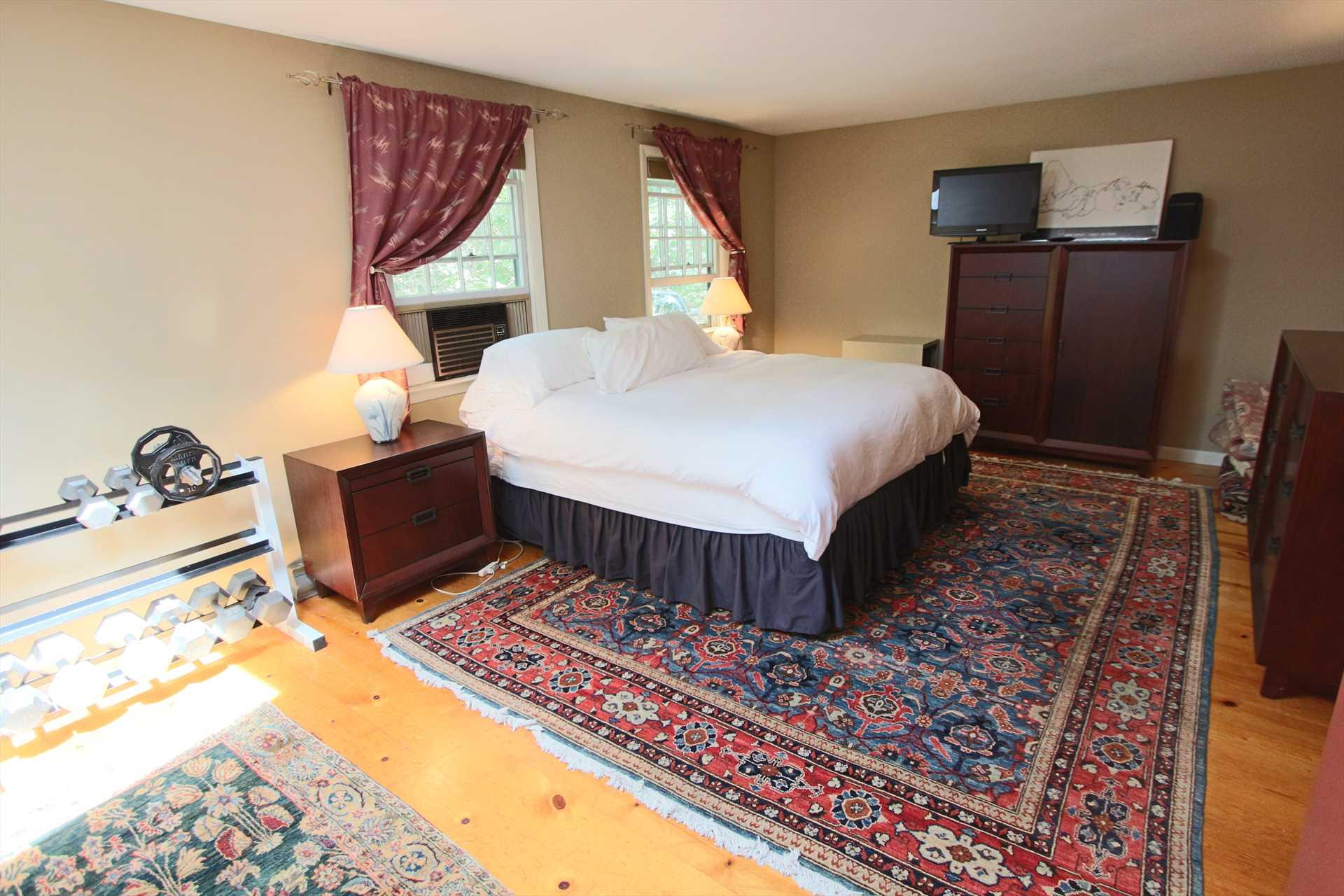 Bedroom #1-  King- 1st Floor