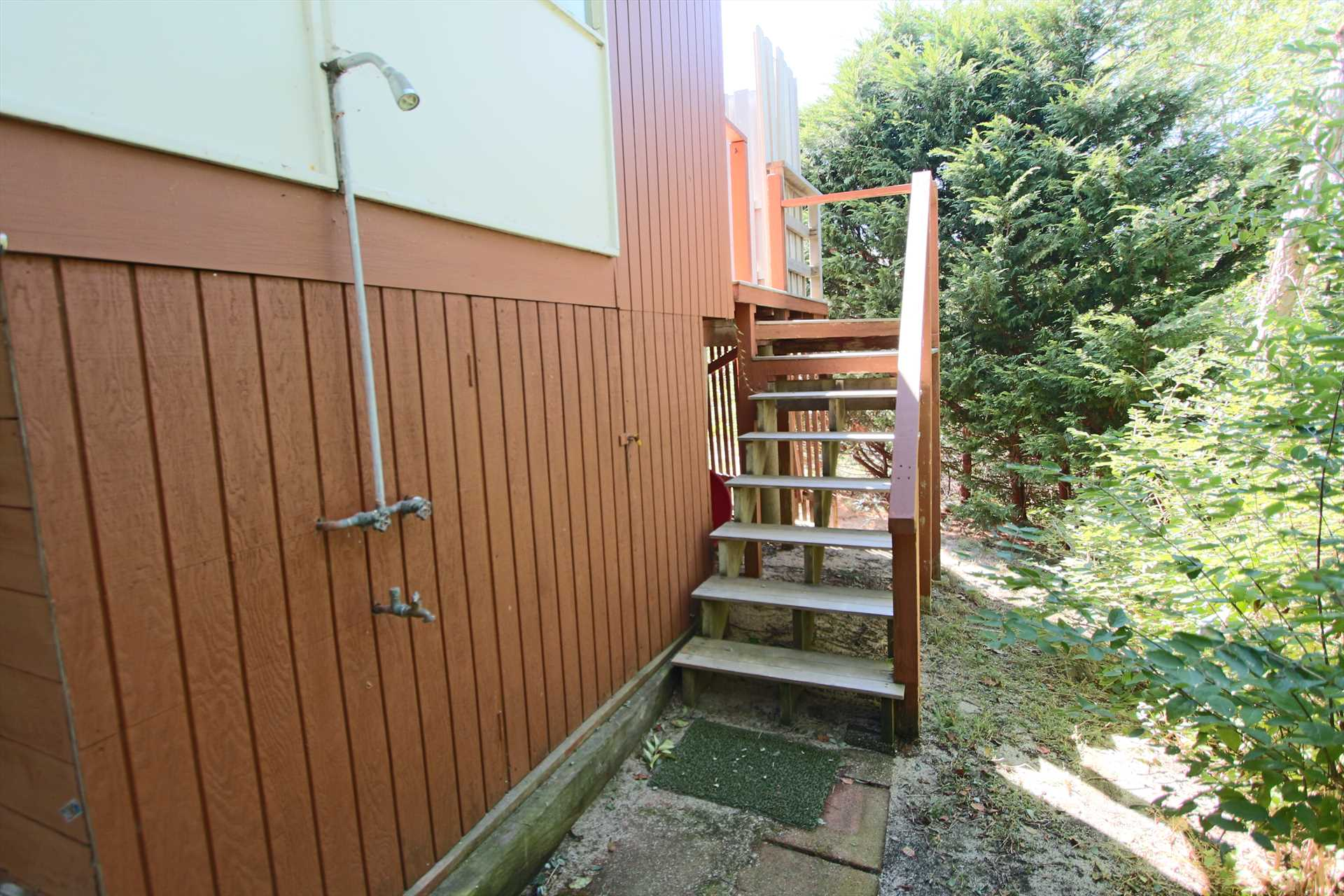 Outdoor Shower - Not Enclosed
